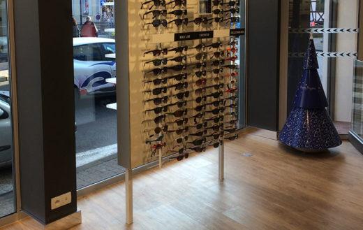 Illustration rénovation complète dun magasin doptique